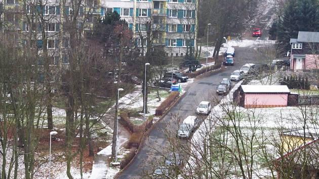 V příštím roce by mělo dojít k rekonstrukci silnice a chodníků v Tylově ulici.