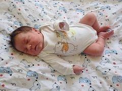 Lukáš Dunka se narodil 22. května 2017 v 7.16 hodin mamince Nikole Šándorové z Mostu. Měřil 52 cm a vážil 3,65 kilogramu.