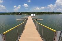 Jezero Matylda v Mostě má vylepšenou pláž.