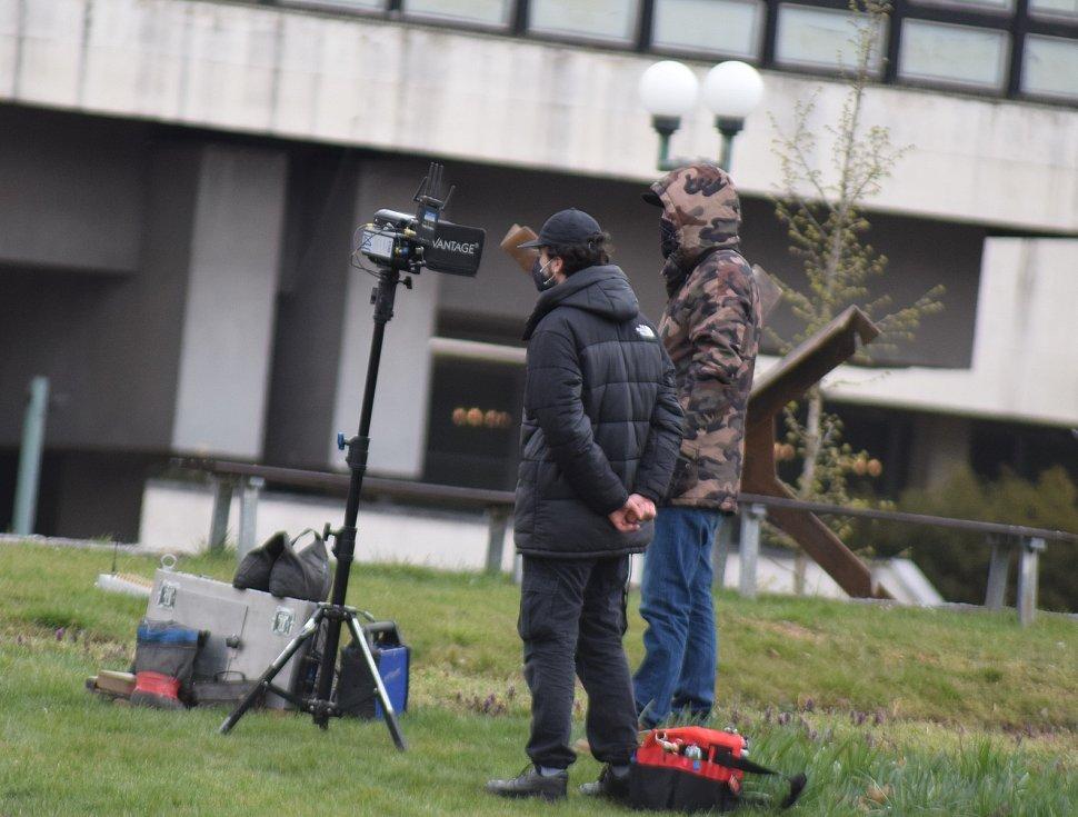 V centru Mostu pokračuje natáčení britského akčního seriálu s názvem Extinction