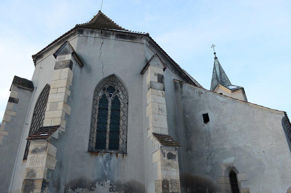 Kostel svatého Vavřince v Havrani.