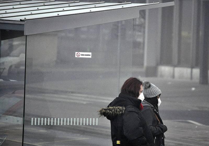 Situace v Mostě ve čtvrtek 25. února 2021 ráno u nádraží.