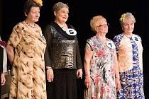 Soutěž o Miss Babču 2015 v ostravském Domě kultury Akord vyhrála seniorka s číslem 7 Irma Marešová.