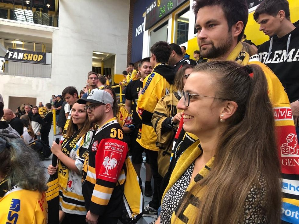 Diváci na hokeji v Litvínově