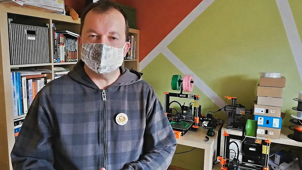 Výroba ochranných štítů v Litvínově