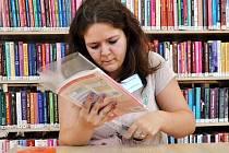 Balení učebnic. Ilustrační foto