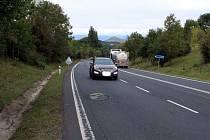 Mostecký deník se byl na místě podívat a zaznamenal všechny výtluky na této silnici v obou směrech.
