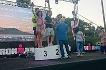 Alena Vrátná se po závodě raduje ze třetího místa.