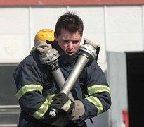 Profesionální mostecký hasič Karel Šíma trénuje na TFA
