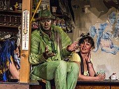Snímek fotografa Pavla Šafáře z představení v litvínovském Docela velkém divadle