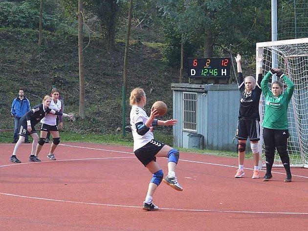 Po výhře se Spartakem Modřany si hráčky KNH Litvínov upevnily 3. místo ve druhé lize žen.