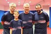Na společné fotografii zleva Milan Bořík, Filip Vondráček, Jan Macháček (vedoucí družstva), Miroslav Bíma.