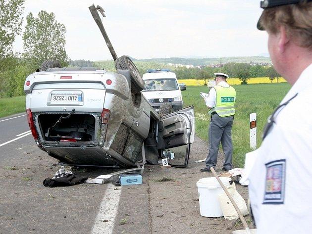 Nehoda terénního nissanu u Sedlece.