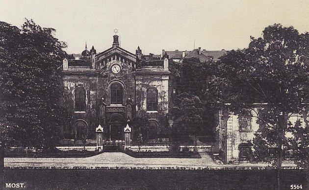 Židovská synagoga.