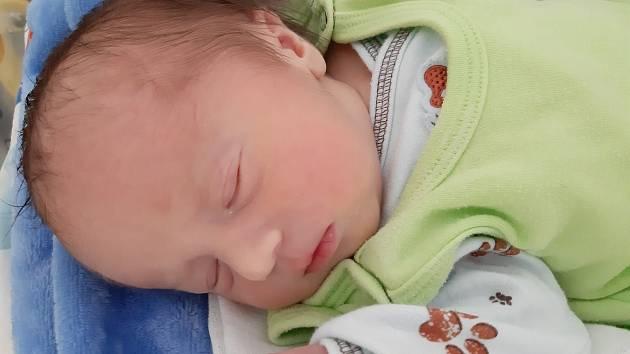 Tadeáš Bláha se narodil mamince Lence Gombové z Litvínova 21. července v 9.13 hodin. Vážil 3,18 kilogramu.