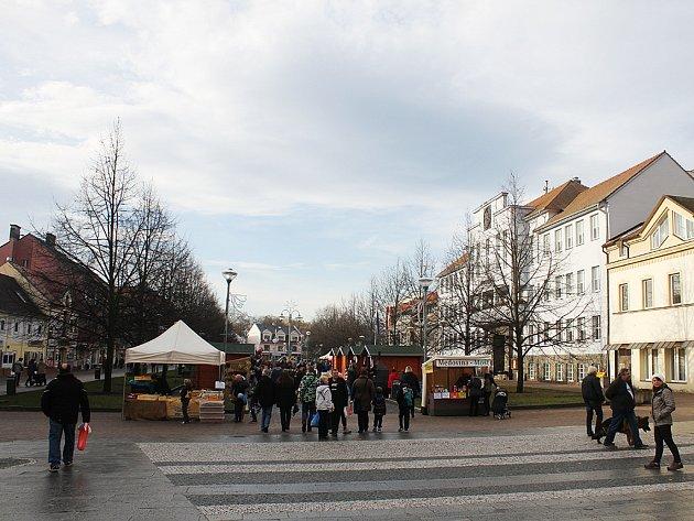 Jarmárek v zámku a vánoční program na náměstí v Litvínově.
