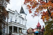 Mostecká čtvrť Zahražany, sídlo pravoslavné církve.