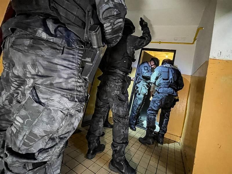 Speciální jednotka strážníků mapuje mosteckou Stovku