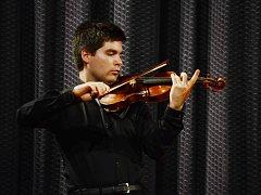 Mostecký houslista Milan Al-Ashhab
