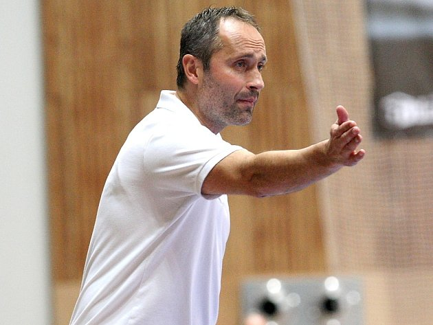 Trenér Mostu a reprezentační asistent Dušan Poloz.