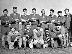 Fotbalisté Litvínova na snímku z 60. let minulého století.