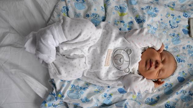 je Denis Farbár se narodil 9.11. V 18:18, vážil 3620g a měřil 51cm. Narodil se Kristýně Jirkovské a Denisu Farbárovi