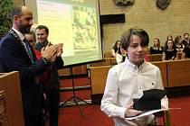 Ocenění právě z rukou zástupců města převzal Tomáš Novák z H Kart clubu.
