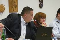 Martin Klika a Květa Hellmichová na listopadovém zasedání zastupitelstva.