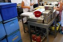 Kuchyně Gastrolandu v budově Podkrušnohorské nemocnice následné péče.