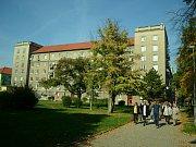 V sobotu 30. září se v Mostě konal druhý ročník Dne architektury. Zahrnoval komentovanou procházku po třídě Budovatelů a doprovodné přednášky v The Most café pod radnicí.