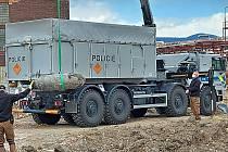 Policie transportovala pumu na bezpečné místo ve speciálním vozidle
