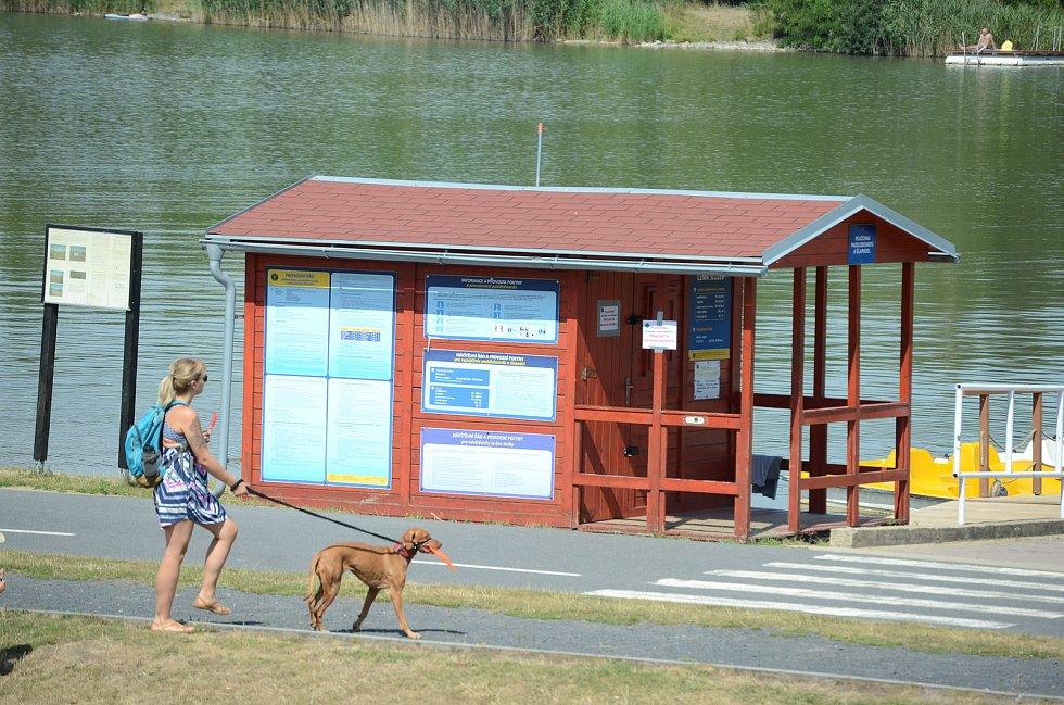 Mostecký kemp Matylda sídlí ve stejnojmenném rekreačním areálu na okraji města.