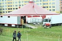 Cirkus Berosini v parku Šibeník v Mostě.