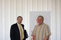 Ministr Marcel Chládek (vlevo) s předsedou OHK Rudolfem Jungem.