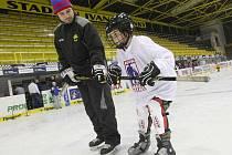 Budoucí hokejisté se učili nejprve správně bruslit