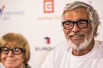 Prezident filmového festivalu Karlovy Vary Jiří Bartoška vystoupil 22. června na tiskové konferenci v Praze.