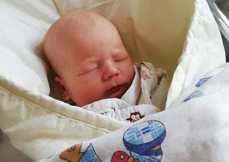 Václav Monhart se narodil 4. září v 18.06 mamince Denise. Měřil 50 cm a vážil 2,80 kg.