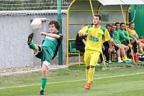 Krajský přebor ve fotbale, Horní Jiřetín v zeleném.