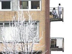 Nemocnice v Mostě, patřící mezi pět zdravotnických zařízení Krajské zdravotní. Není v ideálním stavu.