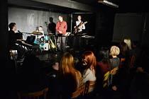 Koncert Martin Rufer Quartet v Divadelním klubu Školka v Mostě.