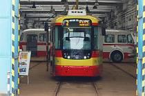 První tramvaj VarioLF plus určená pro Most začala jezdit v lednu 2013.