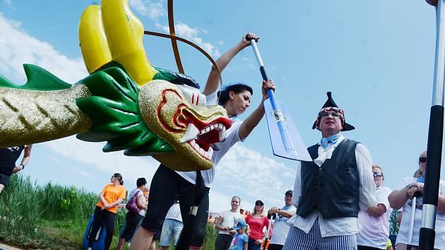 8. ročník dvoudenních závodů dračích lodí v areálu Matylda v Mostě