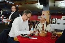SPD mělo v Ústeckém kraji hlavní volební štáb v Pivnici u mnicha v lokalitě pod Lajsníkem v Mostě.