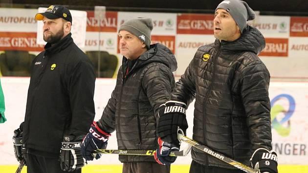 Zleva Jiří Šlégr, Robert Reichel a Martin Ručinský.