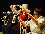 Divadelní amatérský soubor Třetí věk zahrál na divadelním festivalu PřeMostění v Mostě svou autorskou hru Analema.