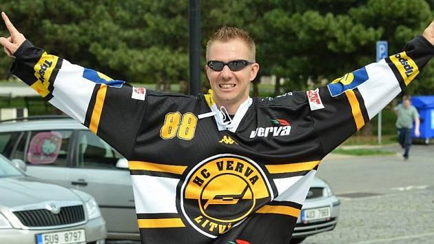 Fanoušek hokejového Litvínova. Přijede i on na jubilejní sraz, který se koná právě v tomto městě?