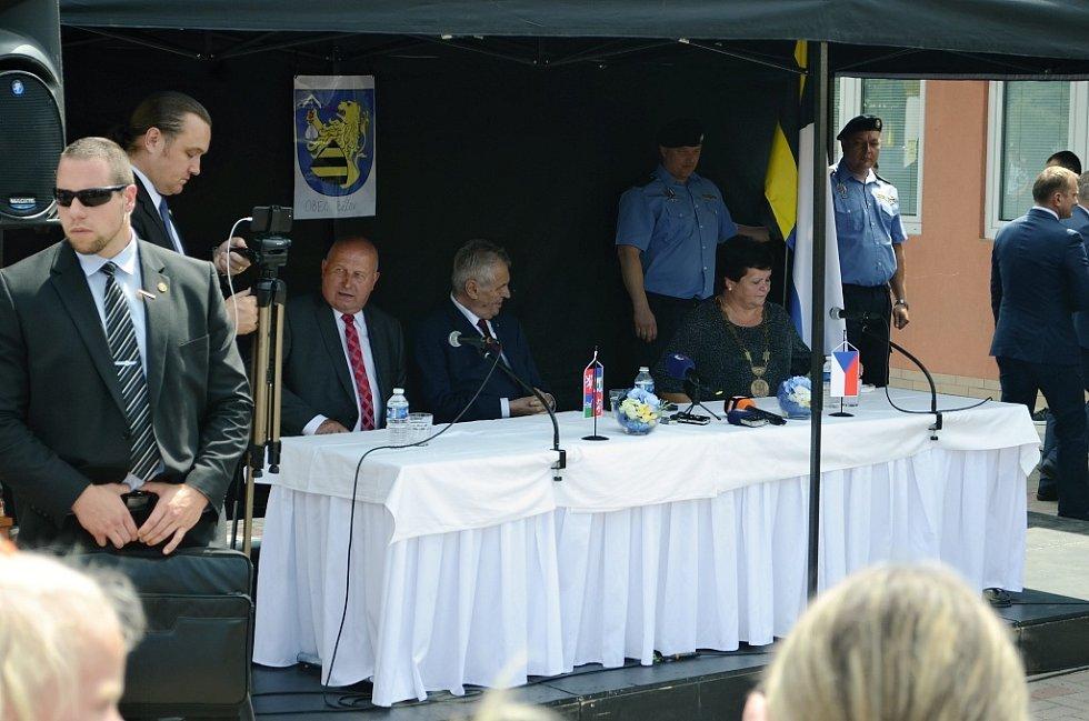 Prezident Miloš Zeman navštívil Bečov u Mostu