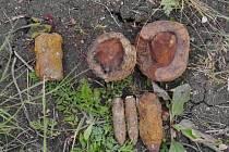 Nalezené granáty zlikvidovali pyrotechnici.