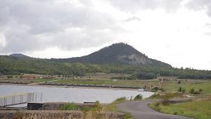 Jezero Most s okolím.