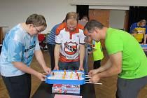 Turnaj v táhlovém hokeji Chemoplast - Pečky.